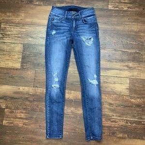 KanCan distressed skinny jean